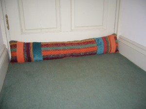 The draught excluder in place